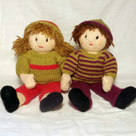Josie and Jessie Doll knitting pattern