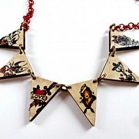 sailor jerry style tattoo wood bunting necklace