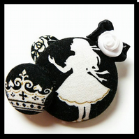Alice in wonderland pin brooch