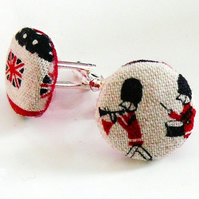 london loves london theme cufflinksFrom Fluffington