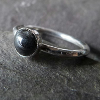 Sterling silver ring with hematite - UK size M - smooth metallic charcoal