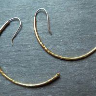Golden Curves - brass and sterling silver earrings