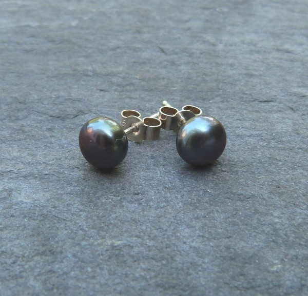 Freshwater pearl and sterling silver studs - 6.5-7mm grey peacock pearls - AA