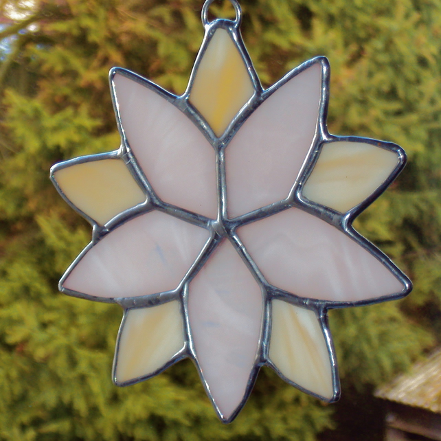 Two tone flower suncatcher  (0332)