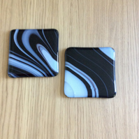 Black and white coasters (0350)