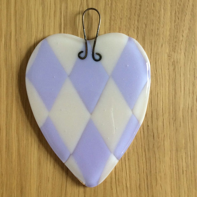 Harlequin style heart (0373)