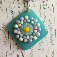 Daisy pendant necklace (0375)