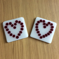 Cranberry  dotty heart coasters (0435)