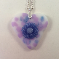 Heart and flower pendant (0514)