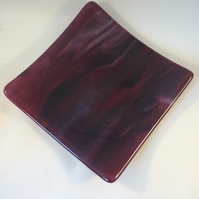 Cranberry and pink fused glass plate  (0533)