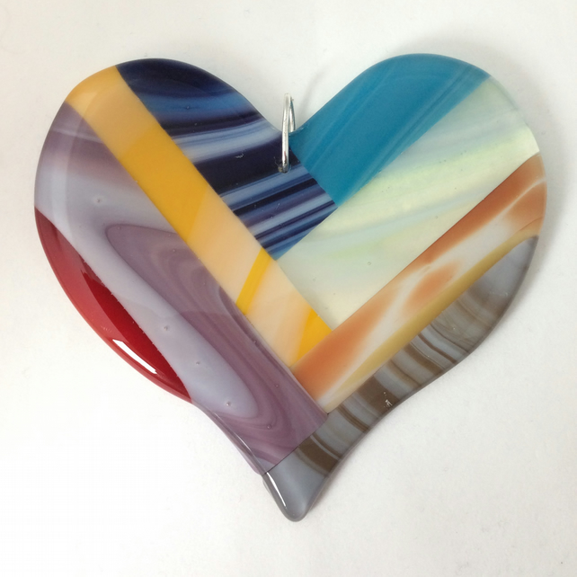Striped fused glass heart  (0524)