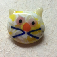 Fused glass cat brooch 4  (0527)