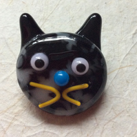 Fused glass cat brooch 5  (0526)