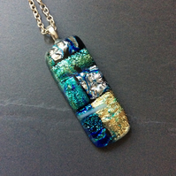 Long rectangular sparkly dichroic pendant. (0579)