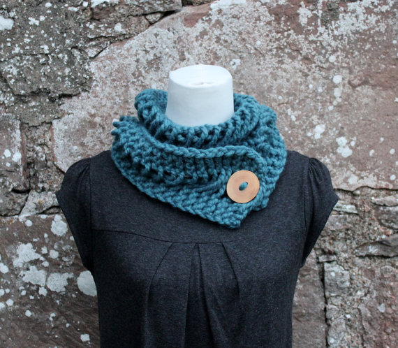 Teal chunky knitted lace button scarf, neckwear, gift guide, knitwear UK