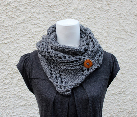 Gray chunky button scarf snood, neckwear, gift guide, knitwear UK