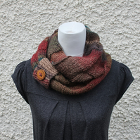 multicolour infinity scarf, knitwear UK, gift guide, womens neckwear