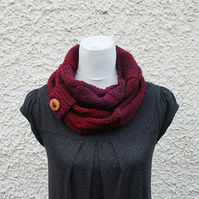 multicolour infinity scarf, knitwear UK, gift guide, womens burgundy snood