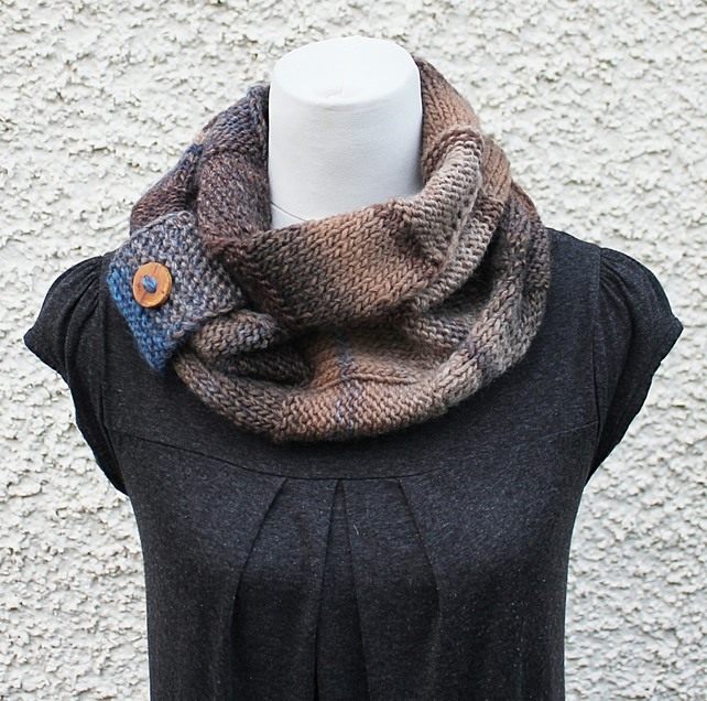 Knit multicolour infinity scarf, UK, gift guide, womens brown blue snood