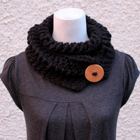 Black chunky knitted lace button scarf, neckwear, gift guide, knitwear UK