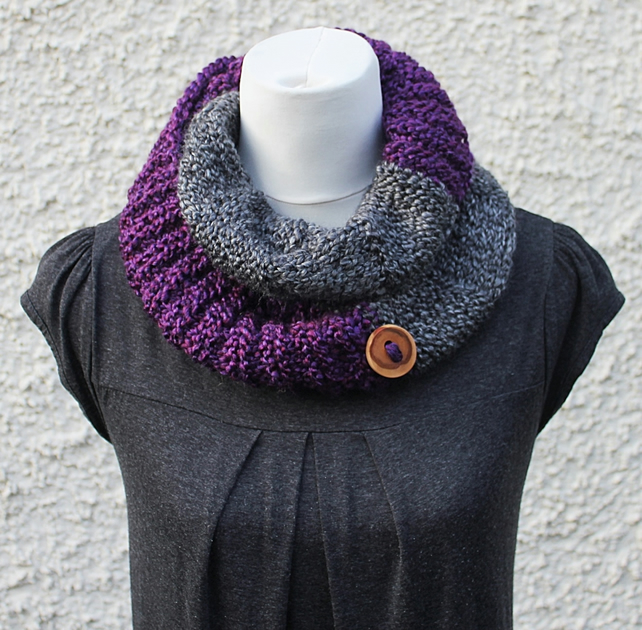 Womens circle scarf snood, neckwear, gift guide, knitwear UK, vegan