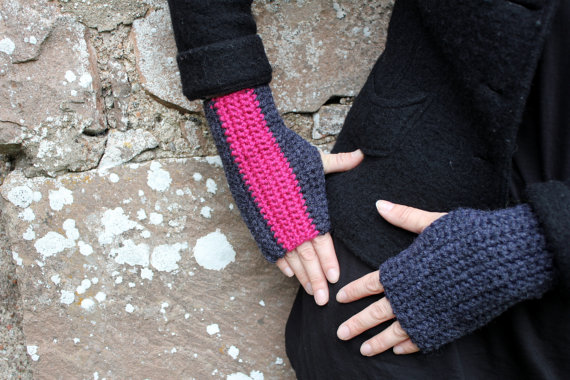 Fingerless gloves, wrist warmers, fingerless mittens, gift guide for her