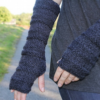 Arm warmers charcoal, womens gift guide