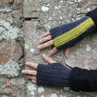Fingerless gloves, gift guide for her
