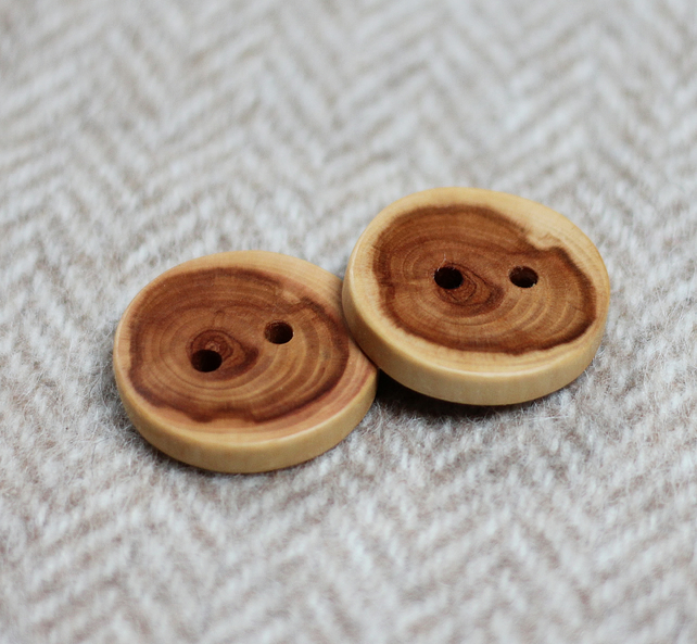 Buttons x2, wooden handcrafted, all natural