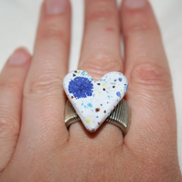 Handmade white & mixed (konfetti) coloured valentine heart shaped Ceramic ring