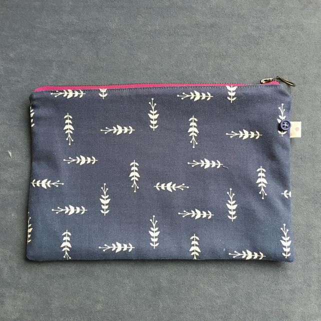 Large Zip Pouch in Navy Sprig pattern