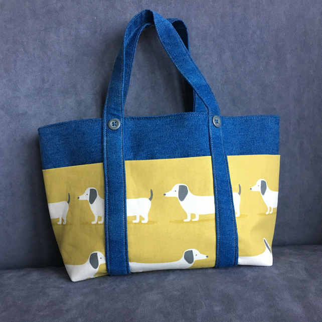 Sausage Dog bag with pockets