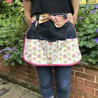 Gardening apron with vintage fabric