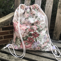 Vintage floral drawstring gym bag, PE bag
