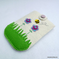 Garden Flowers Felt Kindle Case - Reserved for CraftyLouLou
