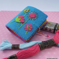 Summer Flowers Felt Needle Case