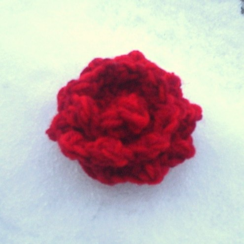 Free Knitted Flower Brooch Patterns : KNITTING PATTERN FOR A FLOWER BROOCH   KNITTING PATTERN