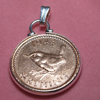 1945 75th Birthday Anniversary Farthing coin in a Silver Plated Pendant mount pl