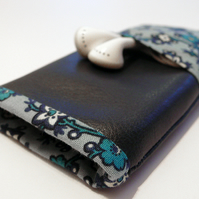 Navy blue floral vege leather iphone case