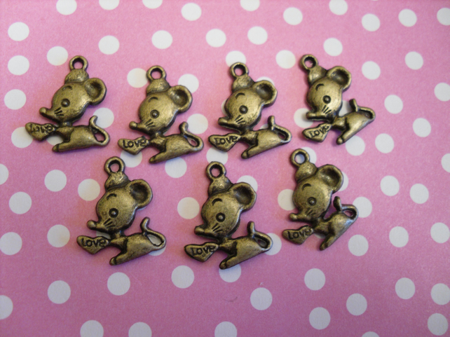 7 Bronze mouse charms
