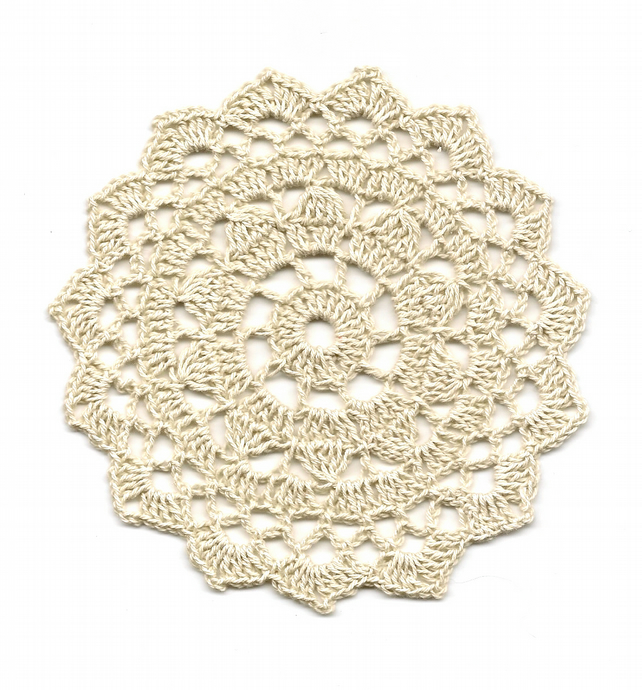 Crochet Doilies Mini Cotton Doily Wedding Decor Table Centerpiece Natural Rustic