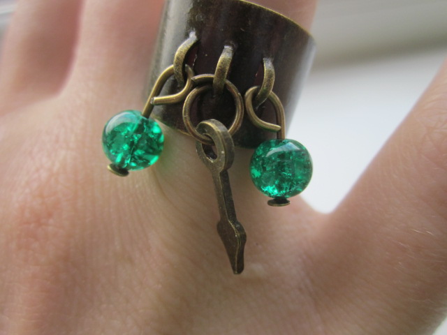 Ring Green and Clockhand