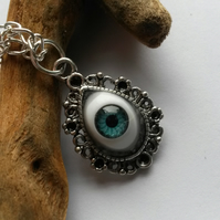Eye of the Pendant