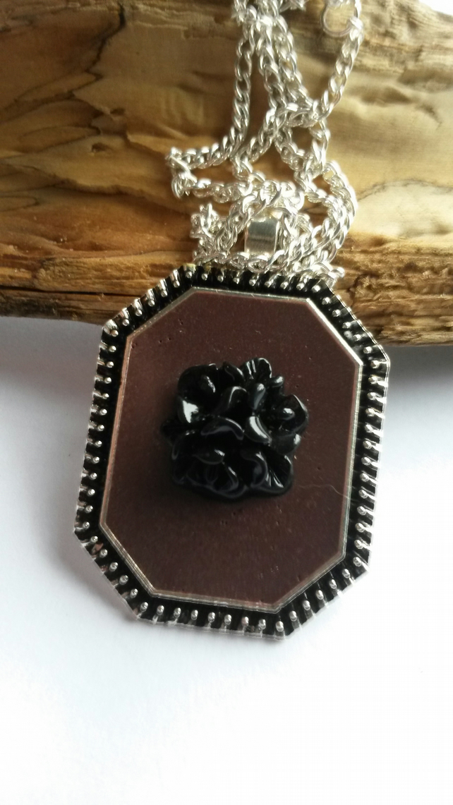 Necklace Black Bouquet
