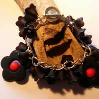 Bracelet Black and Chunky Lucite