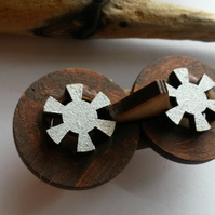 Brooch Wooden Cogs
