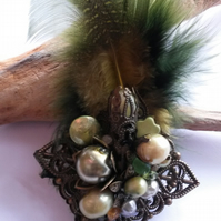 Brooch Pagent