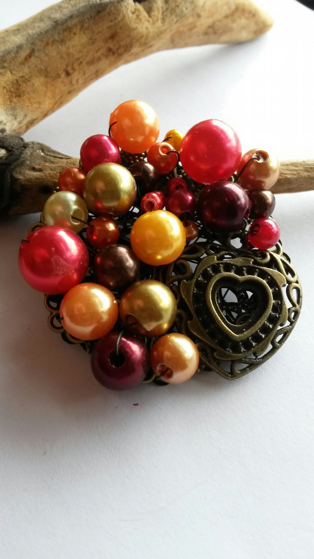Brooch Red tones heart