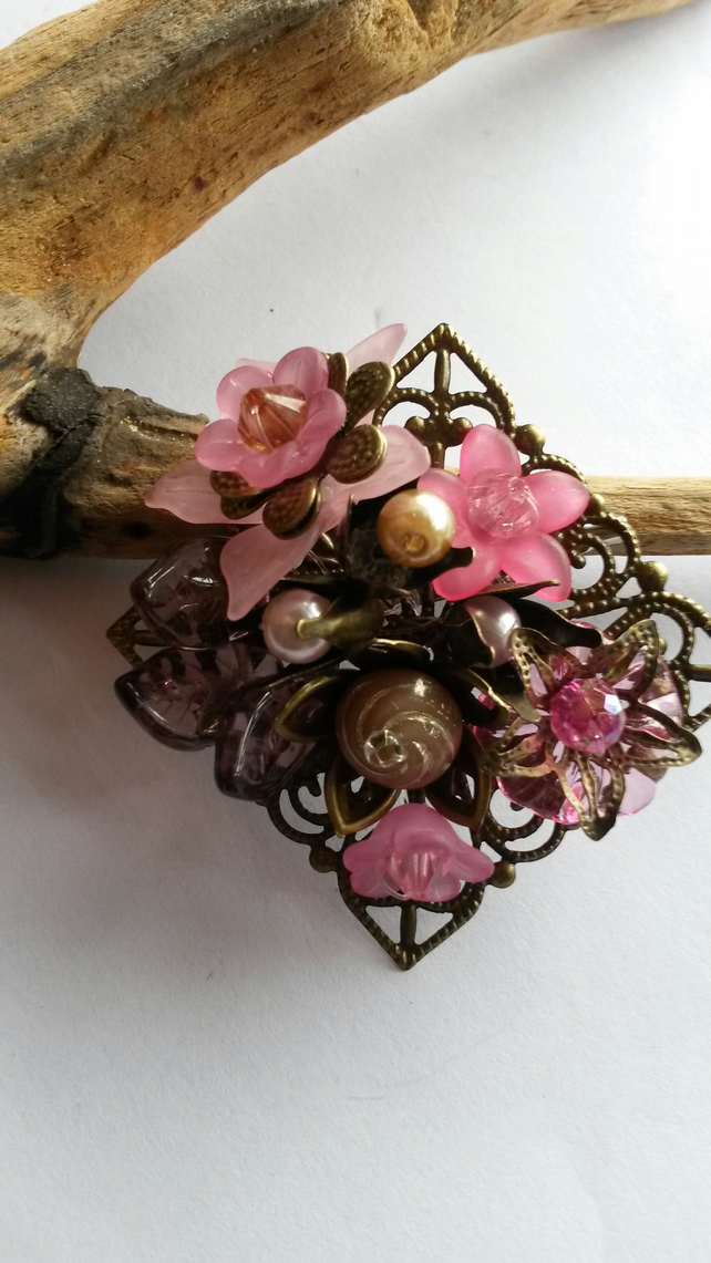 Brooch Shades of Pink Bouquet