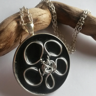 Necklace Round and Round.